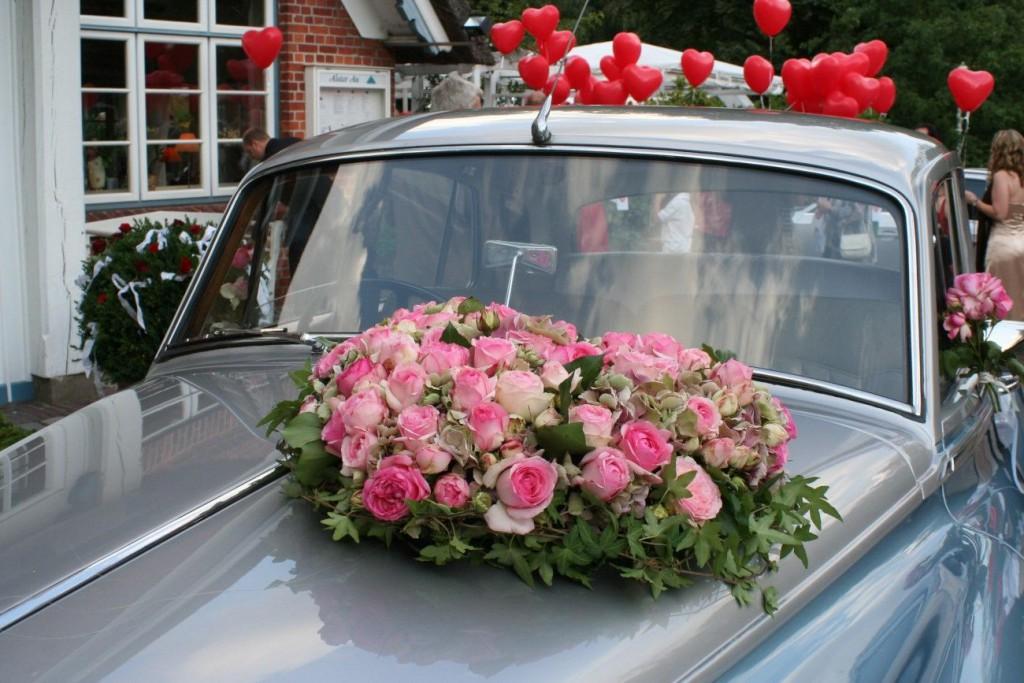 Hochzeits Auto mit Schmuck