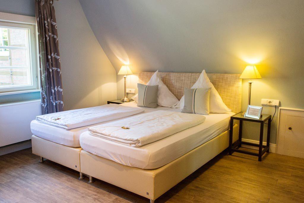 Ruhiges Landhauszimmer für eine Übernachtung in Duvenstedt