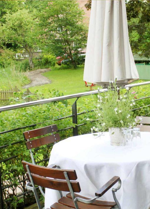 Terrasse mit Garten für eine Tagung in Hamburg-Duvenstedt