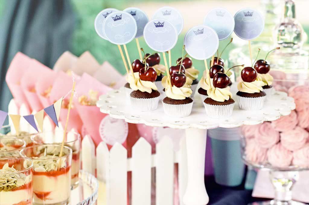 Beim Fest zur Einschulung gibt es Muffins und Eis